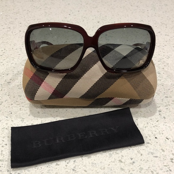 0ec0031aa538 Burberry Accessories - Burberry Sunglasses with Case